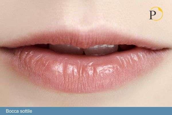 bocca sottile acido ialuronico